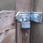 rear-gate-lock